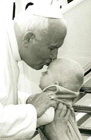 Św. Jan Paweł II na lotnisku w Balicach