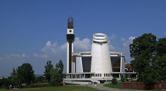 Sanktuarium Bożego Miłosierdzia w Krakowie-Łagiewnikach. Fot.: Zygmunt Put Zetpe0202 / Wikimedia Commons.
